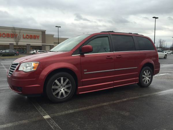 braunability 2009 chrysler town country accessible van als mnd support group forums. Black Bedroom Furniture Sets. Home Design Ideas